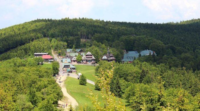 2002-Pustevny-panorama-hreben
